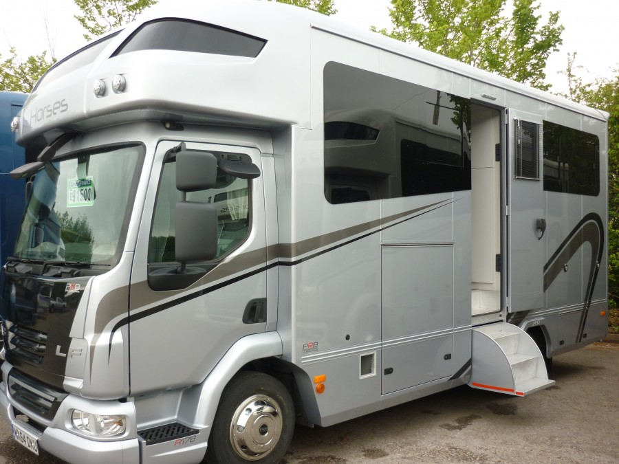 *NEW BUILD* R176 17 FOOT 6 INCHES TWO HORSE ALUMINIUM COACHBUILT - MX64 DKU